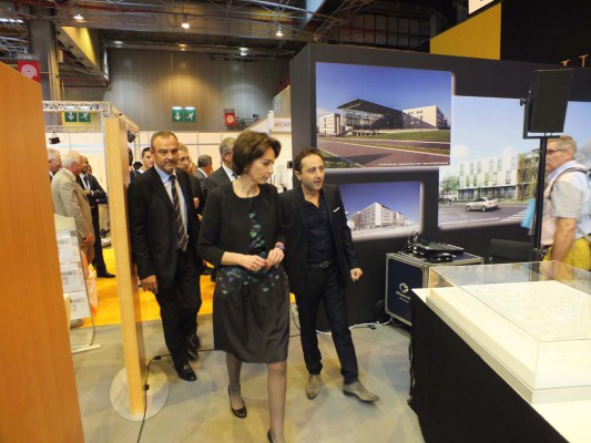 Marisol Touraine, Ministre de la Santé, visite le Village des Architectes - ©C.P
